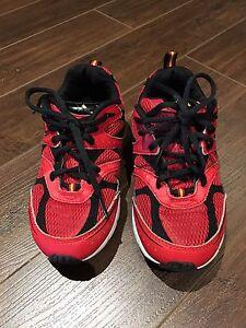 Boys - Size 3 Sneakers