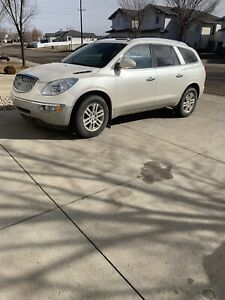 2009 enclave cxl awd loaded in mint condition