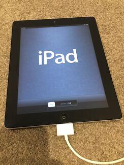Apple iPad 2 wifi 3G 16GB working + charger + case