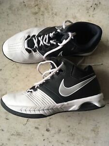 2f61249894c Nike Air Visi Pro 5 Basketball Mid-Top Shoes