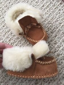 Baby Boy Slippers, size 6-12 months