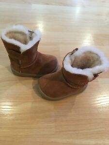 Bottes automne/hiver ugg 0-6 mois