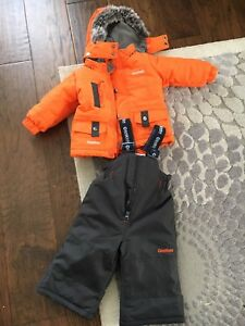 Like-new snow suit size 12 months