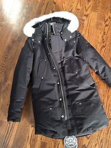 New Men's authentic moose knuckle parka (small)