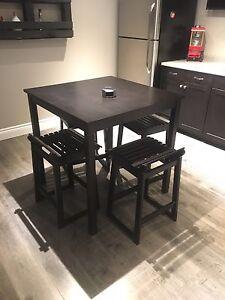 MOVING- Pub Table & 4 Stools