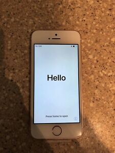 BRAND NEW rose gold IPhone 5se, 64g,  manufacturers warrenty!