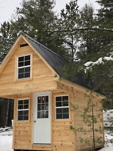 4 season 2.1 acre Cabin for sale on waterfront