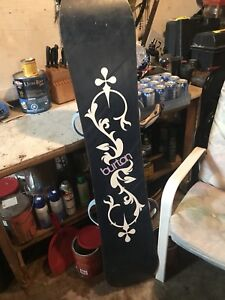 Burton snowboard. With 5.5 inch boots.