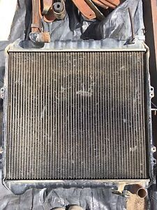 Radiator hilux 3L, 5L Delahey Brimbank Area Preview