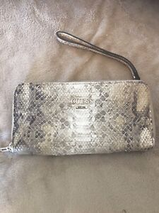 Guess wallet -used