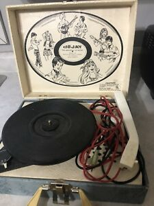 Vintage record player still spins $5