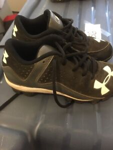 Size 1 boys/youth Under Armour baseball cleats