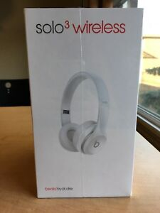 Solo 3 Wireless Beats by Dre