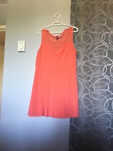 Women's dresses/tops