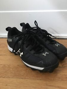 Under Armour cleats 4.5