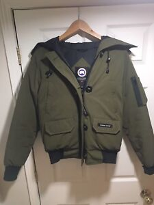 Canada Goose Chilliwack Bomber Women's Size S