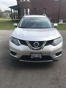 Nissan Rogue 2014 Silver S Model with extra winter tires