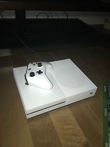 Ensemble xbox one + 4 jeux
