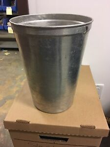 Aluminum sap pails. 1.5 and 2 gallon. 200 pails