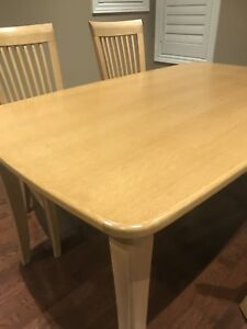 Dining table with 4 chair s