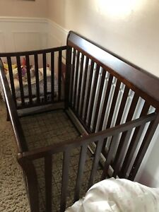 Baby Crib-Well Maintained