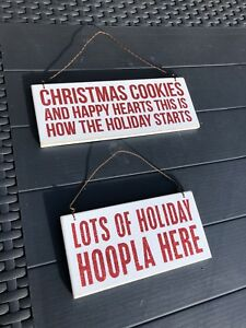 SET OF 2 HANGING HOLIDAY SIGNS