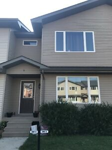 3 bdr townhouse in Lorette!