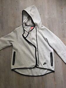 Like New Girls Nike Tech Fleece Cape Hoodie