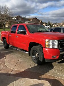 2010 Chevrolet silvered 4x4 5.3l