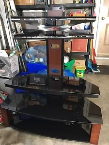 Tv stand in EUC