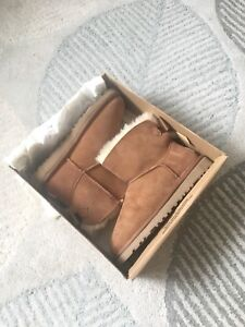 Uggs brand new size 7