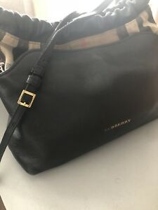 Burberry woman bag 2 in 1,