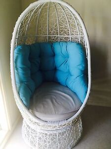 Egg chairs that spin Christies Beach Morphett Vale Area Preview