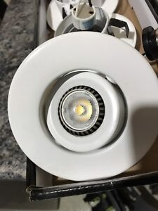 6 white pot light with led bulbs included.