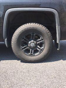 Mags et pneus 17 pouces sierra , silverado
