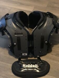 Riddel Phenom Football Pads With Back Plate (XL)