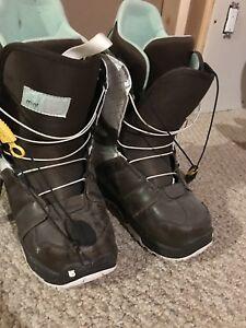 Woman's burton snowboard boots