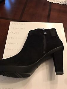 Women's Geox ankle boots. Size 7