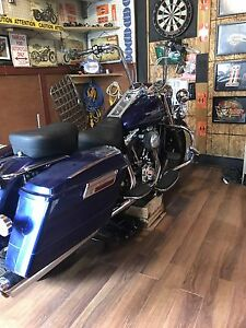 2006 Road King ( looking for a sports car trade)
