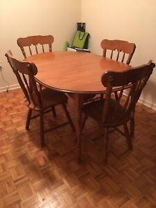 Dining table, four chairs and leaf $160