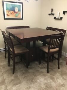 Large Table - Seats (up to) 10