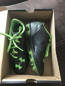 Boys cleats for soccer size 1