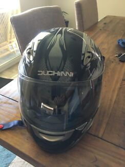 Motorcycle helmet size 60 L