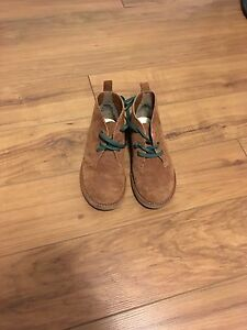 Boys LANDS END boots -size 12 like new