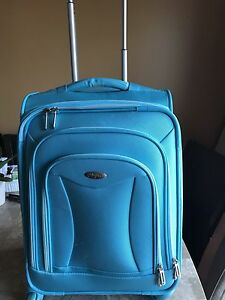 Swivel Carry On Suitcase