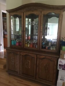 China Cabinet excellent shape!