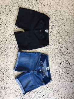 Wanted: Maternity Shorts Black and Blue Denim