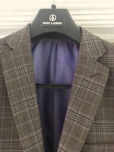 Haight and Ashbury Men's 38R slim fit suit BNWT