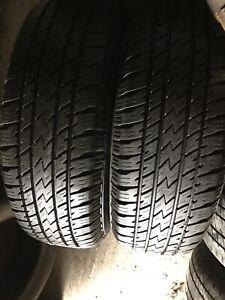 2 pneus été P235/70R16