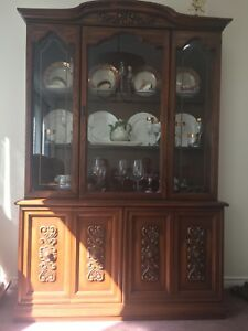China cabinet & dinning table